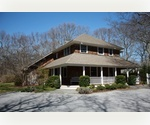 LOVELY 5 BED HOME ON PRIVATE ACRE IN EAST HAMPTON