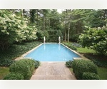 THE EPITOME OF STYLE IN EAST HAMPTON - 4 BED WITH POOL